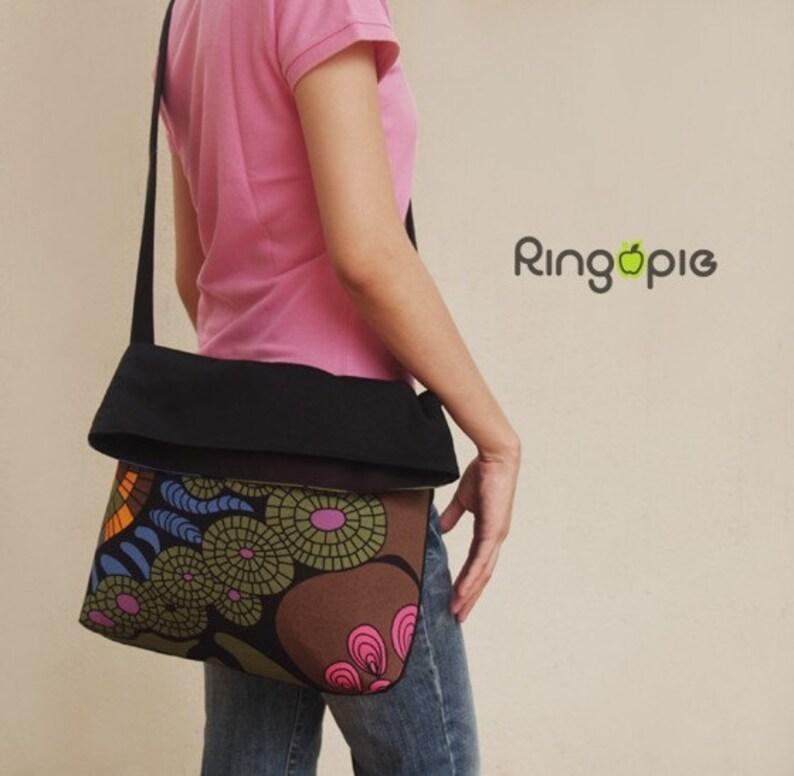 Color Graphics Printed Fold Over Messenger Bagpursehandbagsling bagcasualpursewomenmenFor HerFor Him Sale 20/% 024