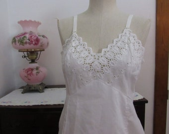 Vintage 1960s cotton blend slip size 38