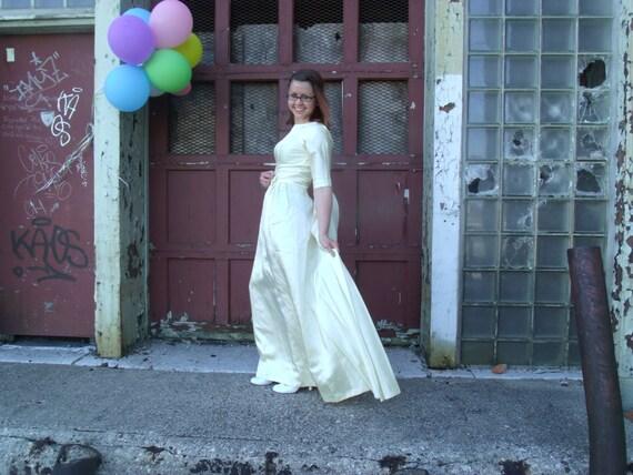 Cream Satin Vintage Wedding Dress