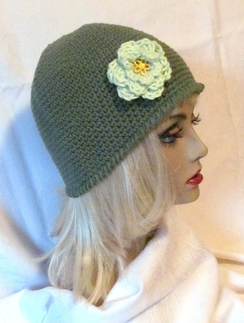 313262dc477 ON SALE Ladies Green Hat Hat With Pretty Green Flower Ladies