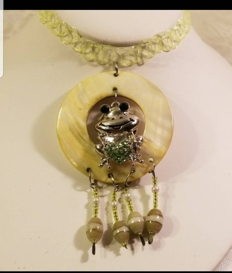 frog choker boho necklace bohemian choker frog necklace Green simulated wavy lucite band Frog choker