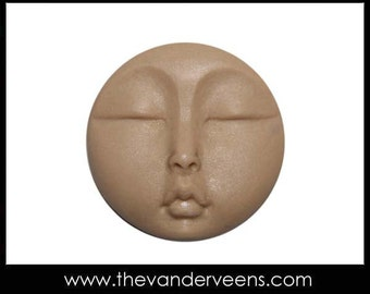 Mold No.191 (Full moon Face - Flatter) by Veronica Jeong