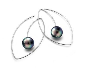 Black Pearls Wire Drop Earrings Eye Shaped Design in Stainless Steel