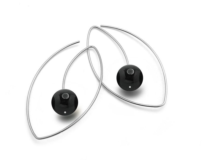Black Onyx Wire Oblong Earrings in Stainless Steel