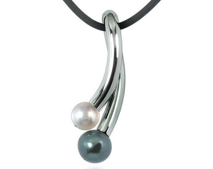 White and Black Pearl Pendant in Stainless Steel