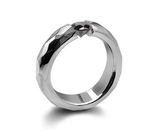 0.75ct Black Onyx Tension Set Hammered Stainless Steel Mounting by Taormina Jewelry