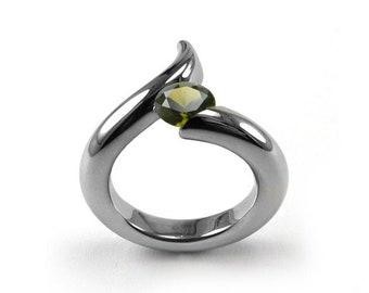 1ct Peridot Bypass Swirl Tension Set Ring in Stainless Steel