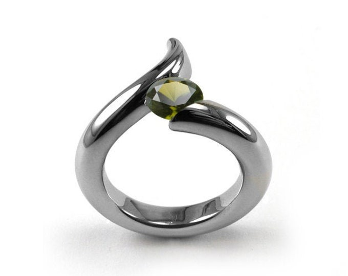 1ct Peridot Bypass Swirl Tension Set Ring in Stainless Steel by Taormina Jewelry