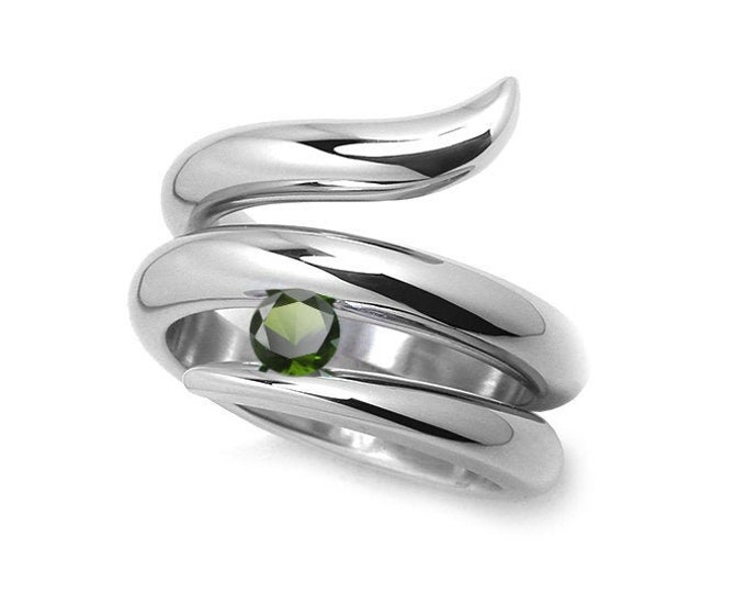0.50ct Peridot Tension set Statement Snake shaped Ring in Stainless Steel