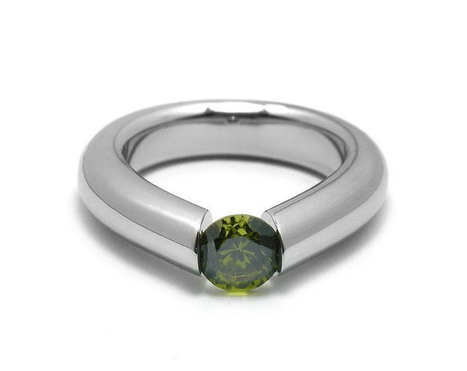 1.5ct Peridot High Tension Set Ring in Stainless Steel