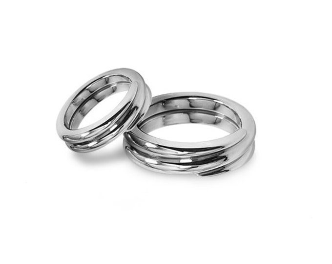 Loop Wedding Bands Design in Polished Stainless Steel
