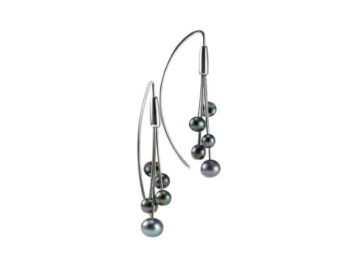 Black Pearl Drop Cluster Wire Earrings in Stainless Steel