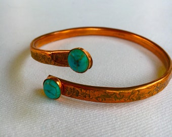 Bangle, Turquoise, hammered Copper