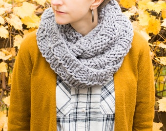Knitted Infinity Scarf, Wrap Scarf, Continuous Scarf, Chunky Knit Cowl, Winter Wool Neckwarmer, Fall Fashion, Winter Accessories