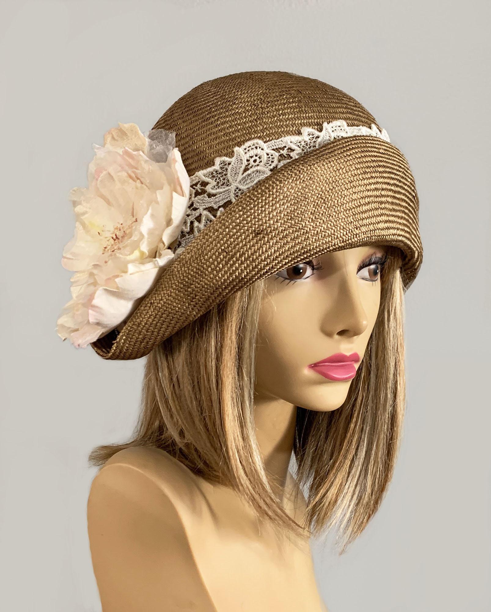 PRETTY STRAW CLOCHE HAT