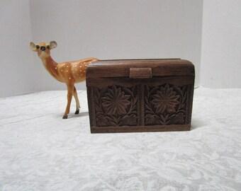 Vintage Recipe Box / Address File, Desk Top Shabby Chic Faux Bois Wood / Plastic Office Desk, Craft Sewing Organizer Doll Trunk, Lerner