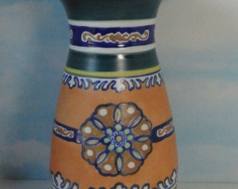 KenilWorth Studio. Nippon. Vase. Gouda Style.