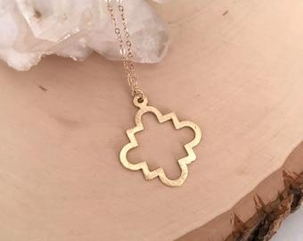 Simple Gold Long Pendant Necklace