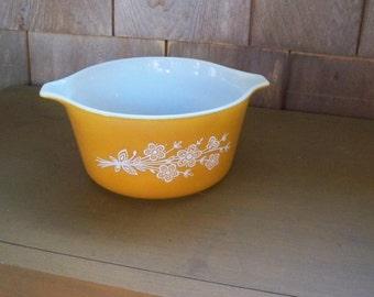 Vintage Kitchen Cookware Pyrex Butterscotch Floral Casserole Dish