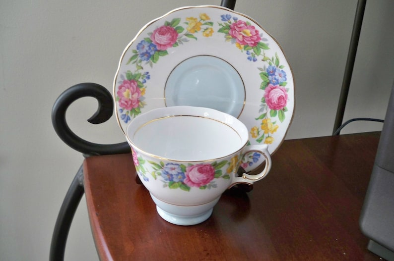 Vintage Home Dining Bone China Colclough Floral Teacup and Saucer Made in England