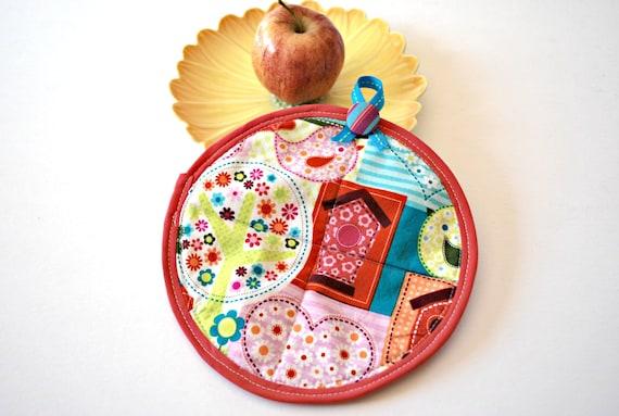 Pink Birdhouse Pot Holder, Hot Pad, Spring Celebrations, Housewares, Kitchen Pot Holder, Home Living, Pot Holders Trivets, Oven Mitts