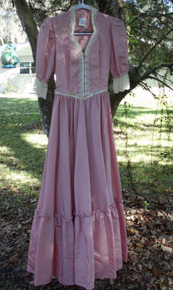 Gunne Sax Dress  Pink Taffeta and Lace - image 6