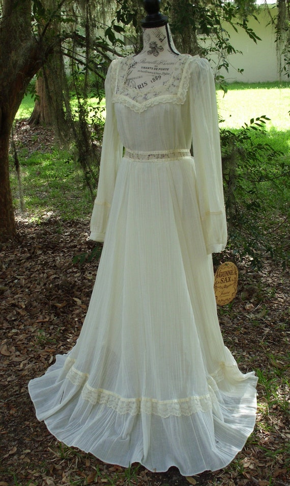 """Gunne Sax Dress Calico and Gauze """"Announcing the S"""