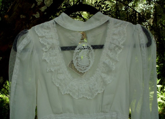 Gunne Sax Cameo Medallion Dress Romance Style in W