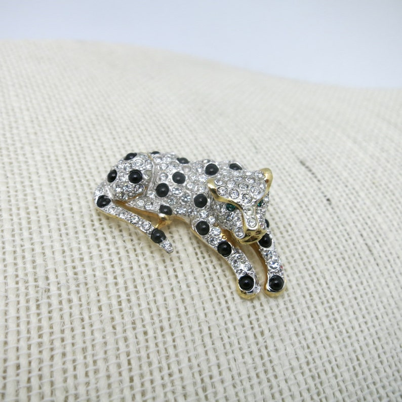 Big Cat Brooch Leopard spotted cat Silver glass HIGH quality pin