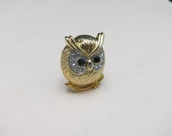 Owl pin Charming Vintage Gold tone Rhinestones