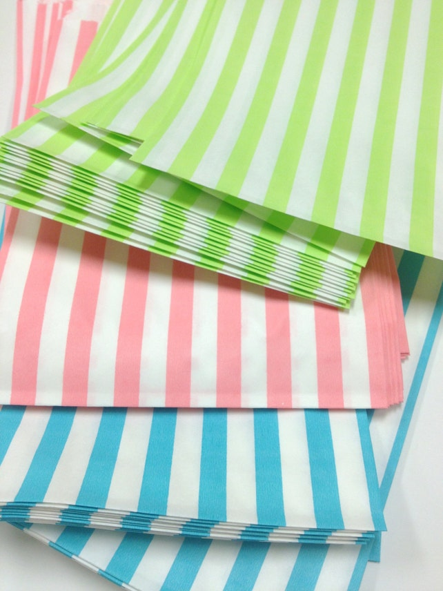 Free U.S. Shipping - Traditional Sweet Shop Candy Stripe Paper Bags - 5 x 7 Pastels Your Color Choice