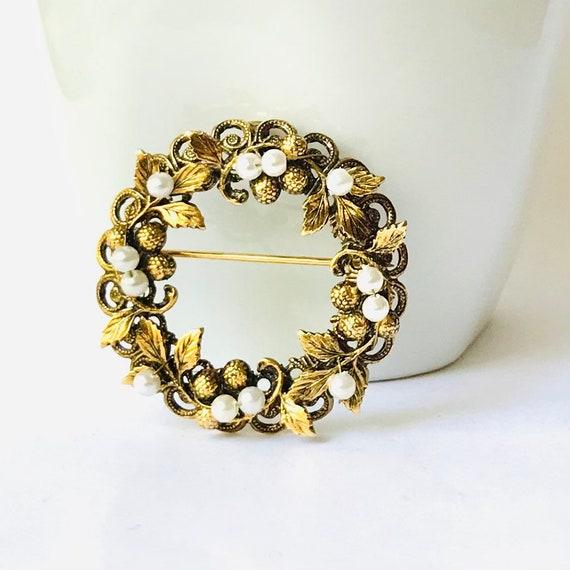 Vintage Pearl Wreath Brooch - image 1