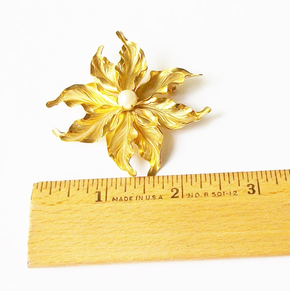 Vintage Pearl Flower Brooch - image 2