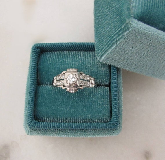 Art Deco diamond ring, Vintage engagement ring, an