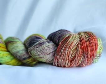 SUN FLOWER POPPY - hand dyed super wash merino single sock (100 grams) 400