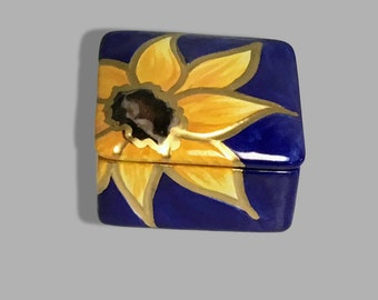 Ceramic Sunflower Keepsake Box - Ceramic Box - Ceramic Sunflower Box