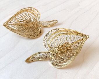 vintage heart filligree clip on earrings | gold tone earrings