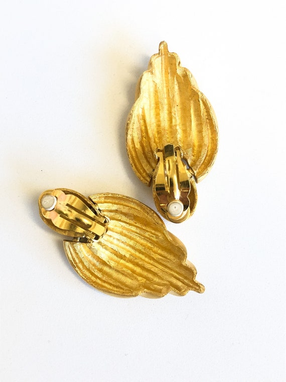 80s gold chunky statement earrings - image 3