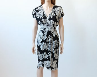 80s black and white floral wiggle dress xs/s