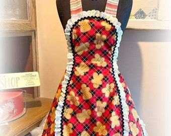 Retro 1950's style Gingerbread men and women petal apron