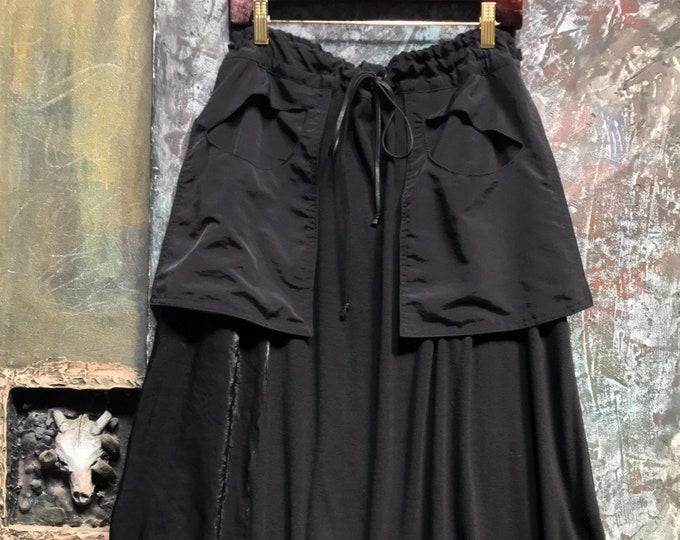 Black Design Wide Pants.  CC0179
