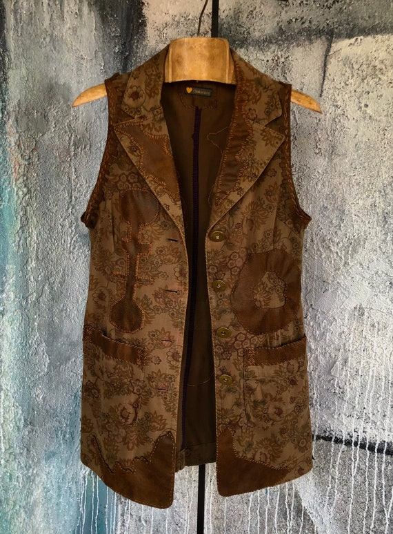 Brown Cotton Flower Print Sleeveless Reconstructed Jacket   CC0241
