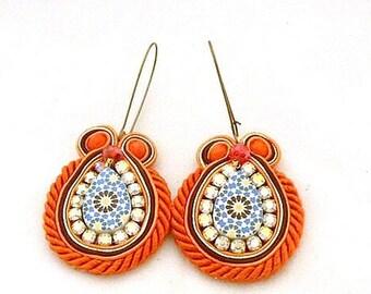 mid size earrings