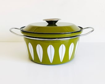 Vintage Cathrineholm Avocado Green Dutch Oven Enamel Casserole Pot   1956s Retro, Mid Century Modern, Enameled Cookware