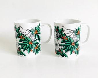 Vintage Pair Fitz and Floyd Christmas Holiday Bird and Holly Berry Mugs   Set of 2, Tea Cups, Coffee Mug, Drinkware, Holiday Decor