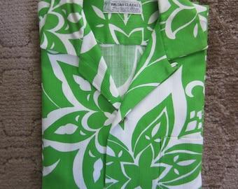 Terrific Early 60s Waltah Clarke Aloha Shirt - Green and White  - Large