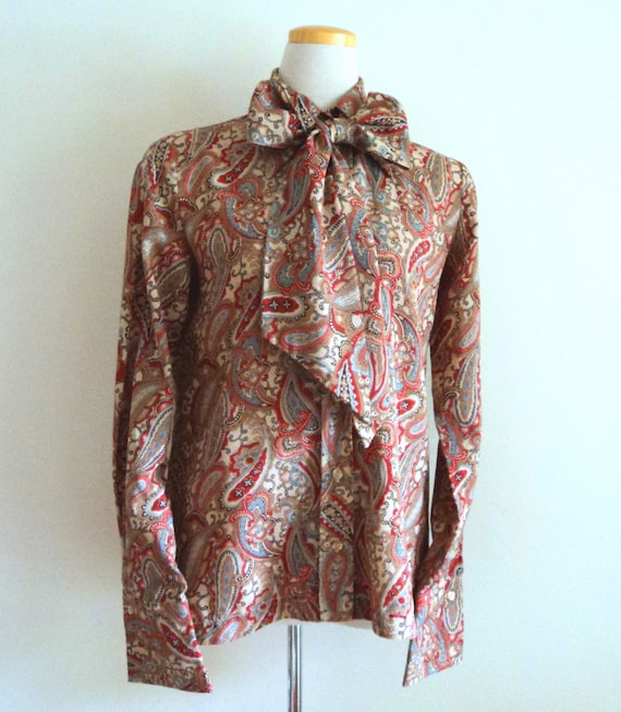Vintage 1970's Ladies Blouse . Pussy Bow Paisley P