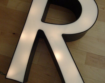 R Letter - Large Uppercase R - Wall Decor - White Decorative Type Art - Free Lights included