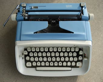 Royal Typewriter - Two Tone - Light Blue