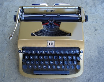 Underwood Golden Touch Portable Typewriter (Gold) Professionally Serviced with Carrying Case - On Sale
